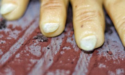 Muffins mit Zombie Fingern